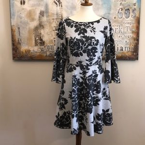 Vince Camuto Fit & Flair Bell Sleeve Dress NWOT 10